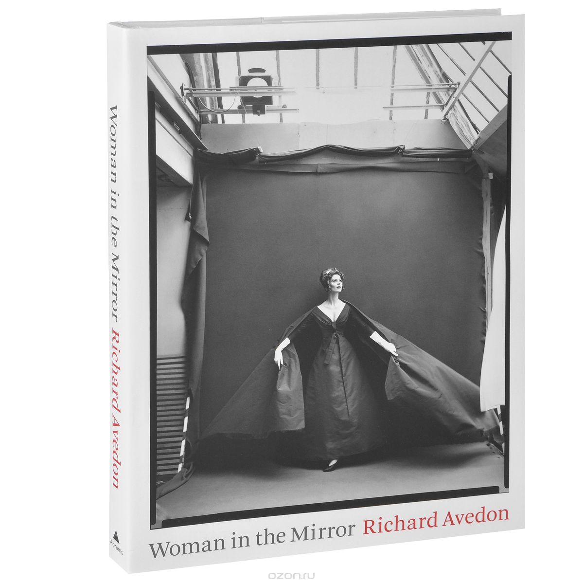 "Скачать книгу ""Woman in the Mirror, Richard Avedon"""